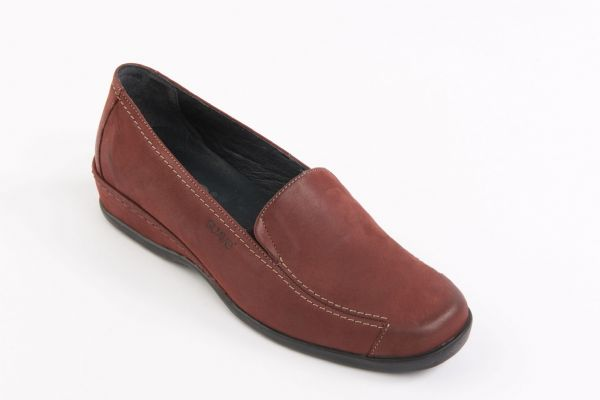 Maria slip on casual wine suede shoe